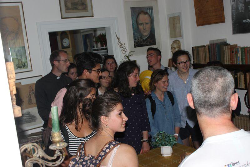 Besucher im Elternhaus Stock